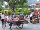 In China gibt es das frische Obst nicht vom Anhänger, sondern vom Fahrrad.