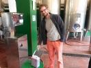 Fuer 1,25 Euro den Liter kann man sich hier den Kanister volltanken