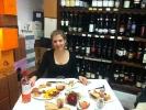 Letztes gemeinsames Essen - aus dem Regal konnte man sich bedienen und musste nur 3,5 Euro auf den Verkaufspreis zuzahlen