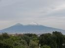 Auf dem Weg zu Pompeji kann man auch den Vesuv bestaunen