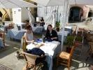 Mittagessen bei mediterraner Atmosphäre - hier mit zwei Kiwis aus dem Hostel