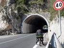 Einer von sehr vielen Tunneln in Italien … ich mag keine Tunnel und mit dem Fahrrad schon gar nicht )-: