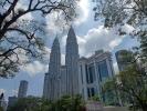 In der Hauptstadt, Kuala Lumpur angekommen, sind die Petronas Tower unser erstes Ziel