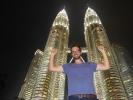 Petronas Tower bei Nacht und Matthias