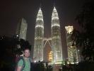 Petronas Tower bei Nacht und Mathias