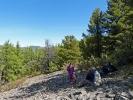 Pause nachdem wir den ersten Hügel erklommen haben ;)