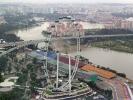 Der Singapore Flyer ist mit einer Höhe von 165 Metern das größte Riesenrad der Welt.