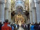 Mittelschiff der Kathedrale von innen