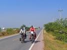 blauer Himmel und schöne Straße, da lacht das Radfahrerherz