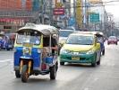 Tuk Tuk vs. Taxi: Günstiger und interessanter, aber manche Schüsseln sind nicht sehr vertrauenserweckend