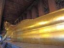 hier liegt der 46 m lange und 15 m hohe vergoldete Buddha